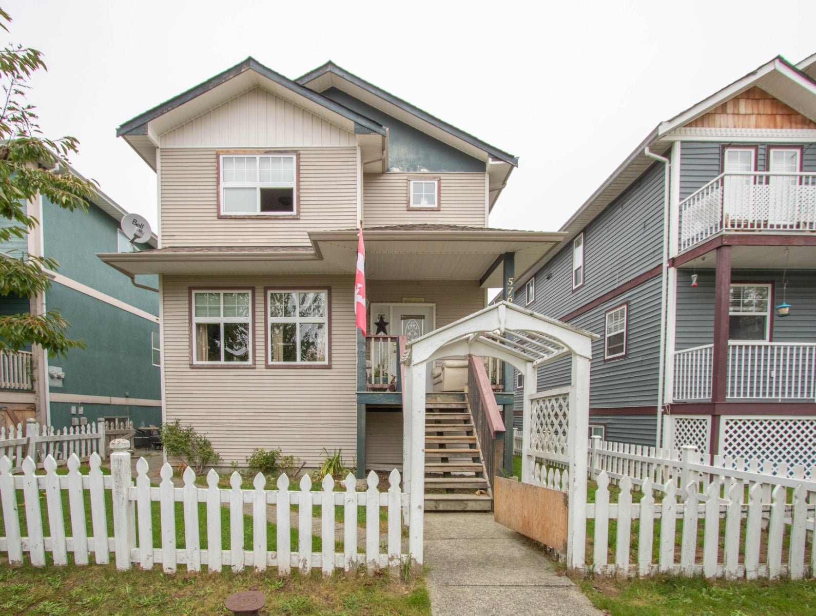 576 B Hilchey Rd - CR Campbell River South Half Duplex for sale, 2 Bedrooms (R2477826) #1